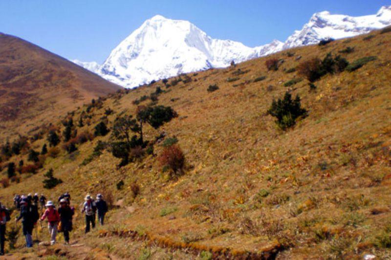 Lala & Lingshi Trekking