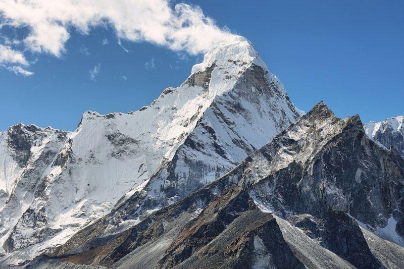 Amphu Labtsa Pass Peak Climbing
